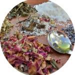#Acessibilidade Close-up dos ingredientes usados nos sais de banho