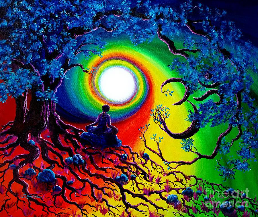 Imagem de um monge meditando numa floresta em cores de Arco-Íris. As árvores fazem o símbolo OM