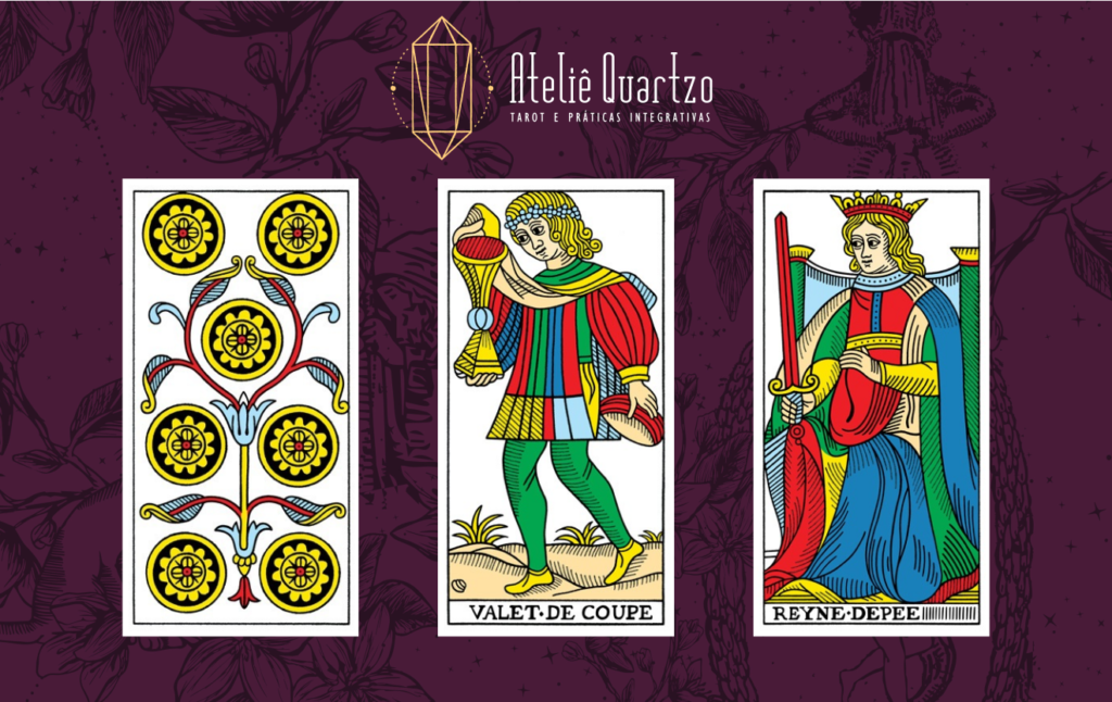 Imagem com o Sete de Ouros, o Valete de Copas e a Rainha de Espada do Tarot de Marselha