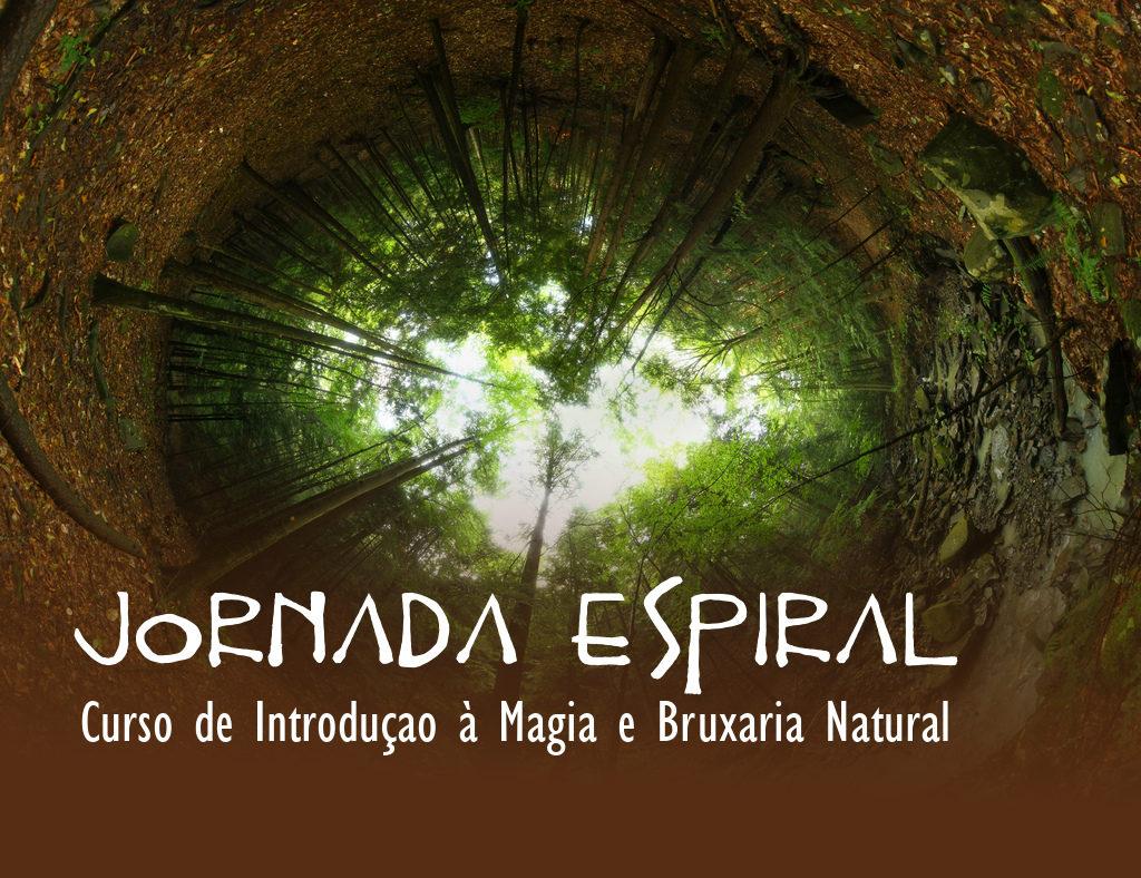 """Imagem de copas de árvores com os dizeres """"Jornada Espiral - Curso de Introdução à Magia e Bruxaria Natural"""""""